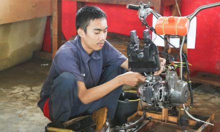 PRAKTEK Teknik dan Bisnis Sepeda Motor